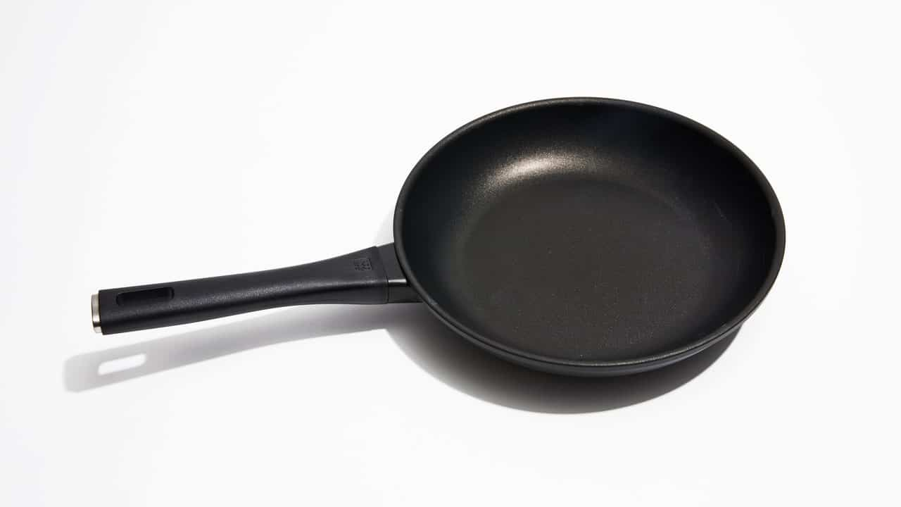 the best pan for eggs is the zwilling madura plus